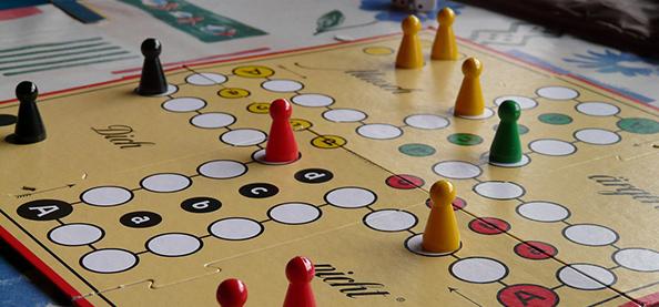 26.02. // Schräg vorwärts – Spieleabend